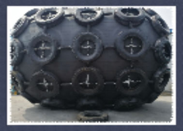Ribbed Type Marine Dock Bumpers Fen Protecting Fuel Ship With ISO17357 Certification